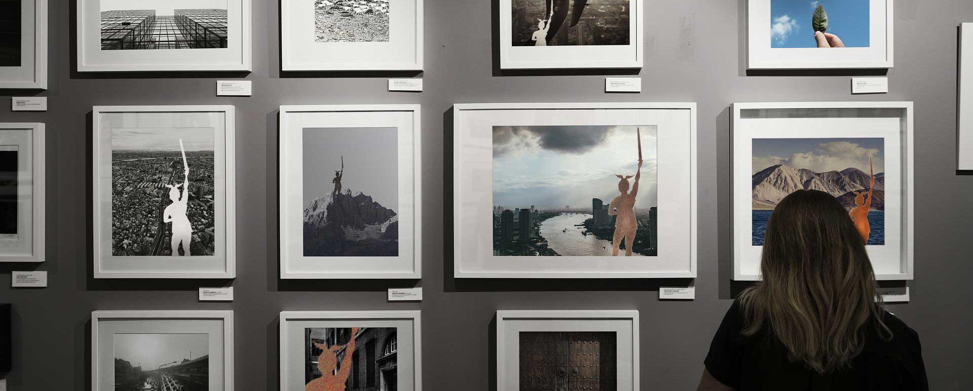 Fotogalerie im Museum mit Hermannbildern